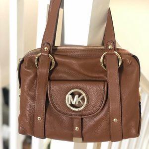 MICHAEL KORS medium-sized purse (BROWN)/never used